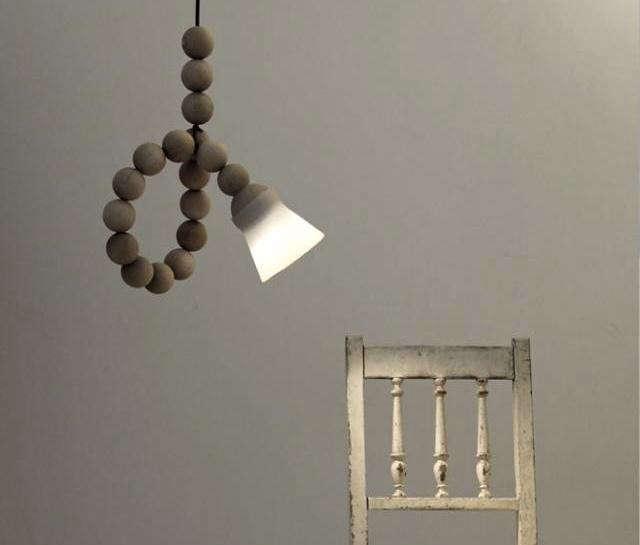 640_wooden-bead-light-horizontal