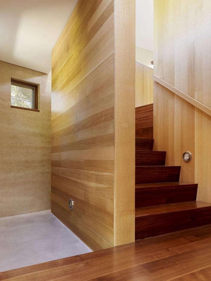 700_ccs-cowper-st-stairwell-first-floor