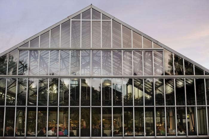 700_de-kas-glass-building
