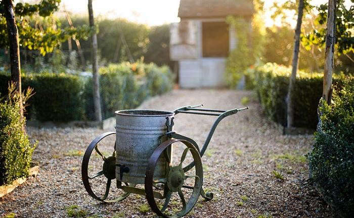 700_kitchen-garden-wheelbarrow