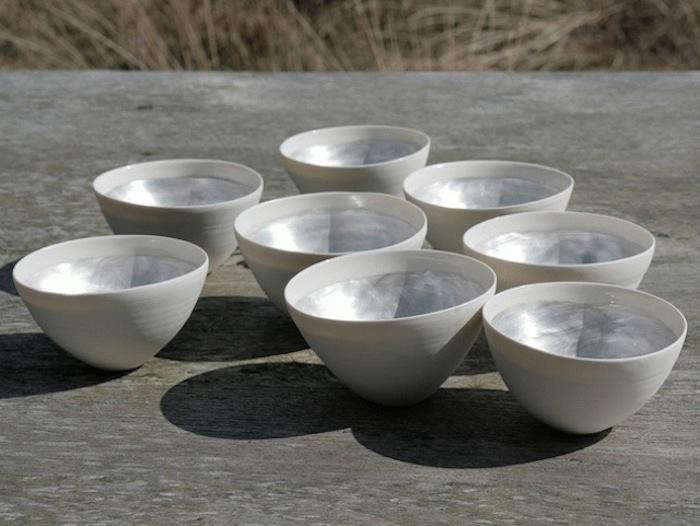 700_wit-bowls-lined-up