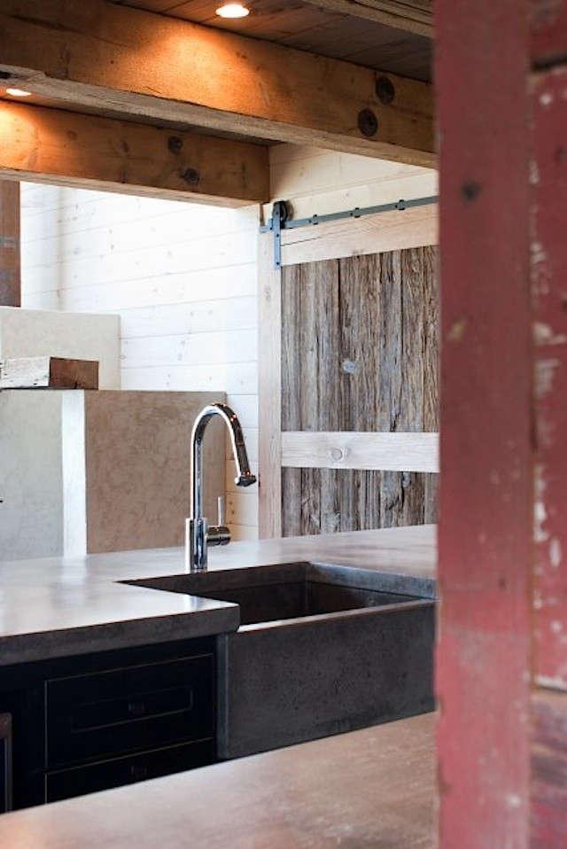 barn-door-lakehouse-studio-c