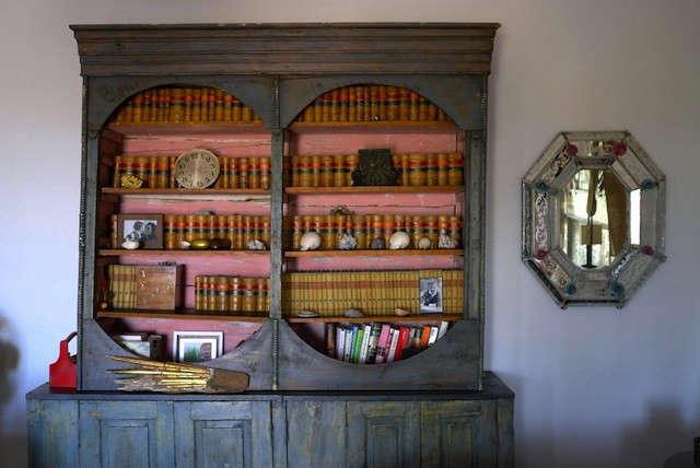 casamidy-gray-pink-bookshelf