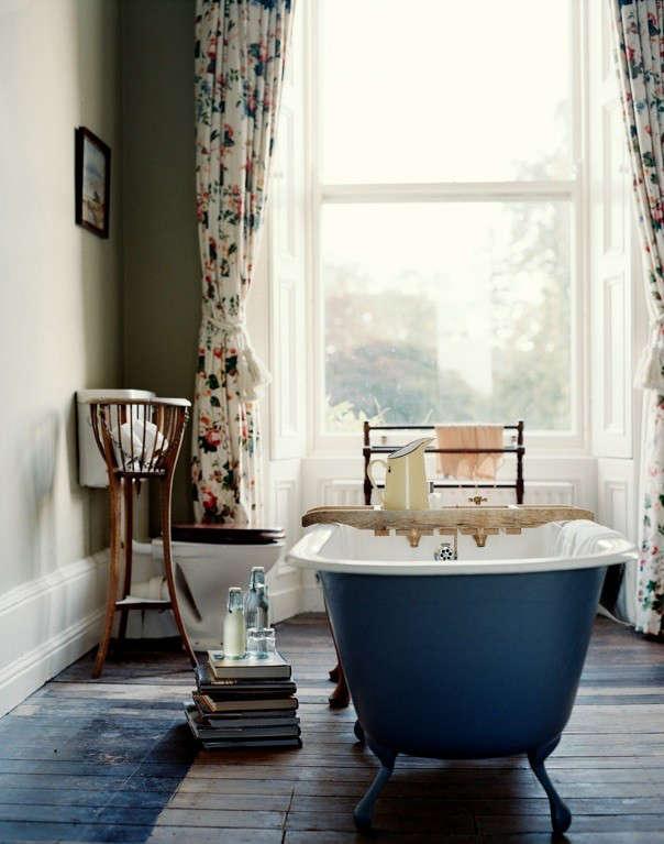 irish-country-house-blue-tub