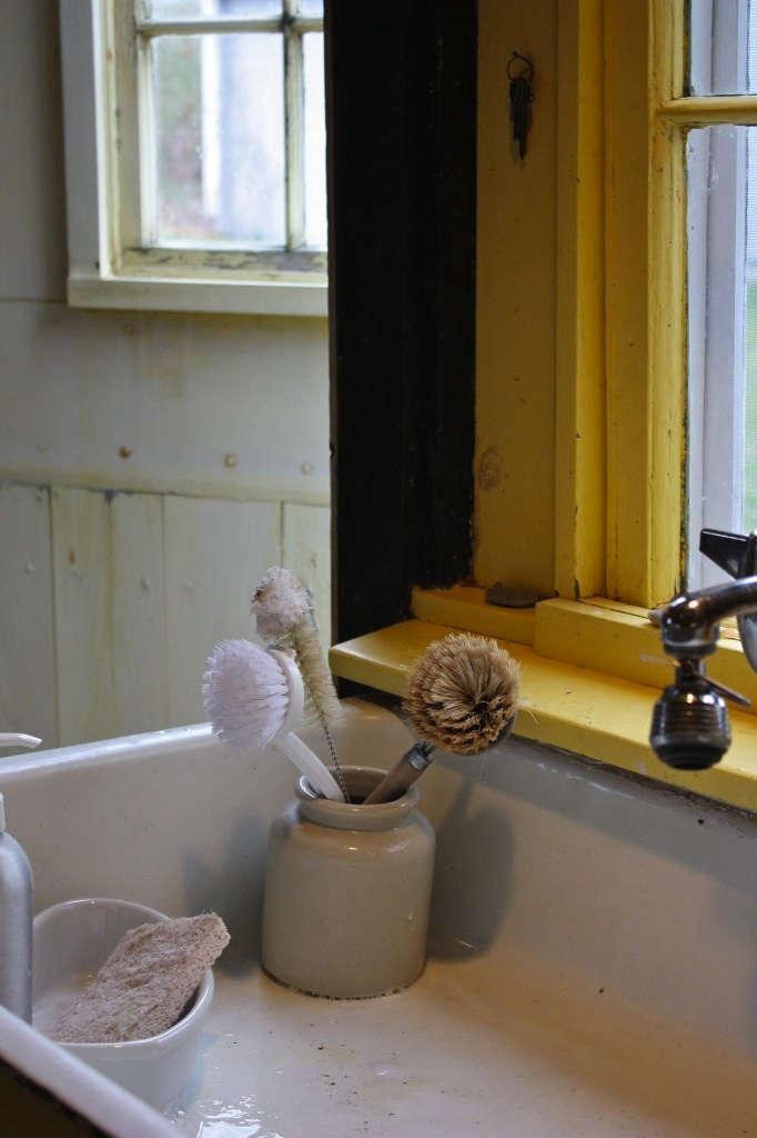 justine-kitchen-sink
