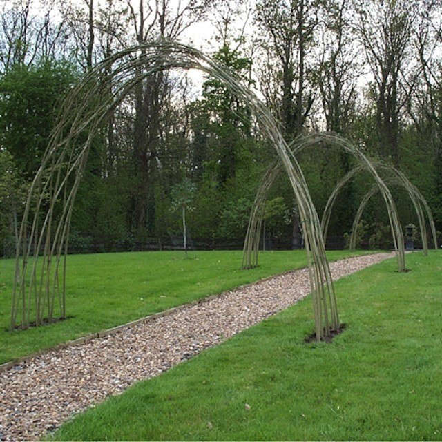 natural-willow-archway