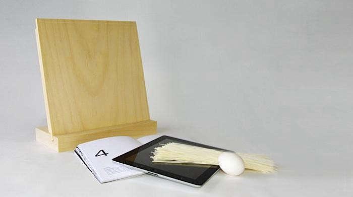 700_andrea-ponti-design-bosco-cutting-board-ipad-stand