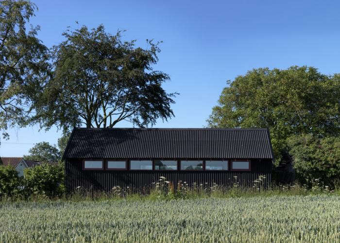 700_black-clad-studio-by-threefold-architects