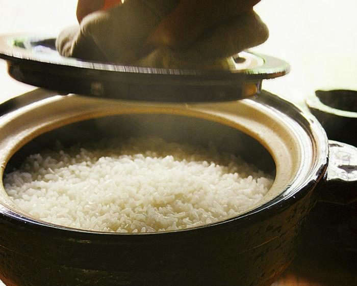 700_donabe-with-rice