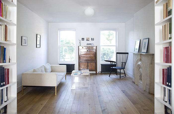 700_elizabeth-roberts-fort-greene-living-room-with-worn-wood-floors