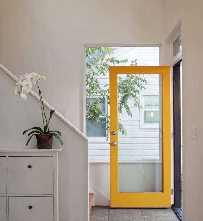 700_entryway-door-in-modern-house-by-in-situ-studio-with-yellow-painted-front-door
