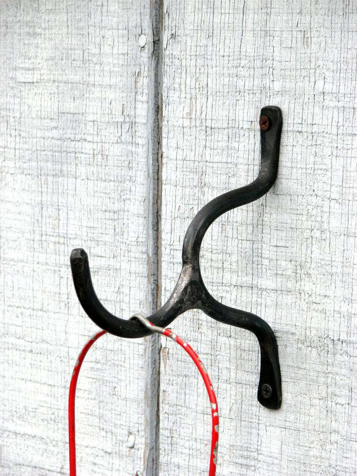 700_hand-forged-hook-by-vintin