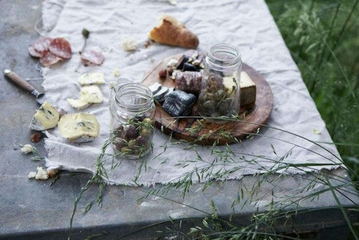 700_harriot-grace-olives-cheese-1