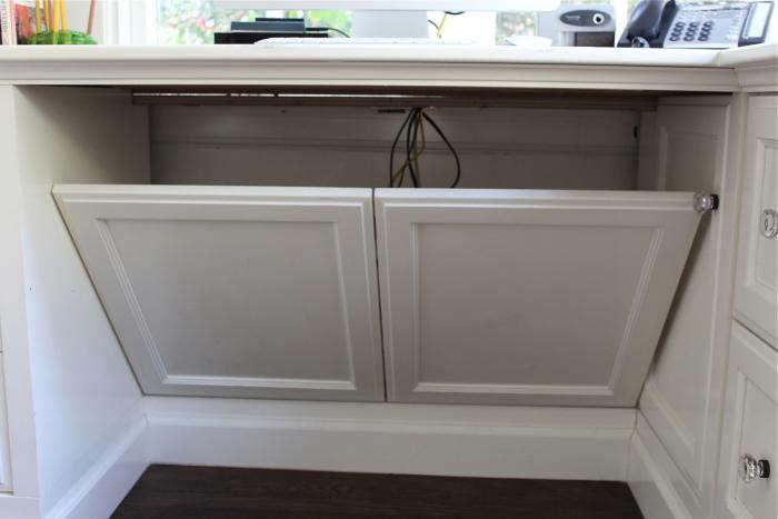 700_home-office-michelle-desk-panels-open