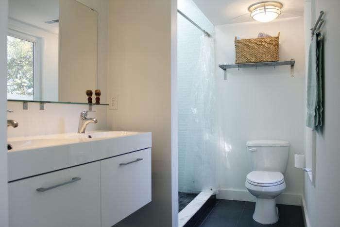 700_in-situ-studio-chasen-residence-bathroom-with-double-vanity