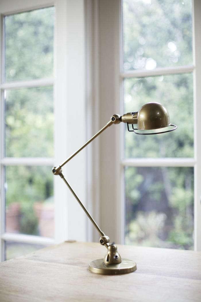 700_jielde-brass-lamp-1