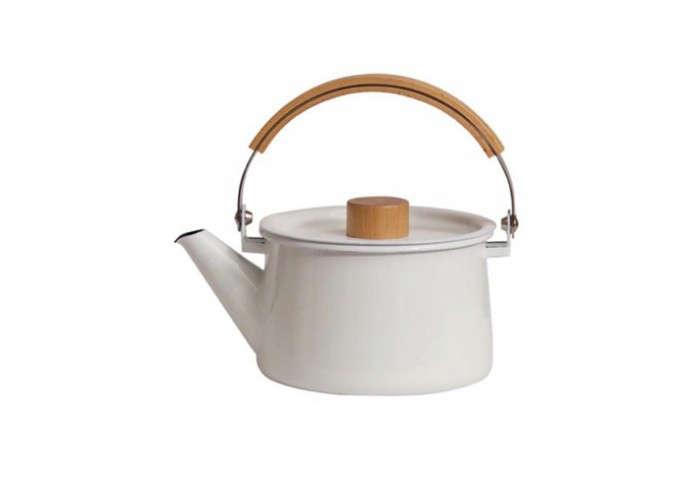 700_kaico-kettle-enamelware-white