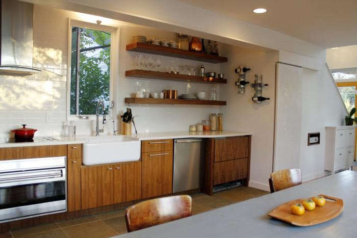 700_kitchen-in-modern-house-by-in-situ-studio-with-open-shelving-and-wood-cabinets