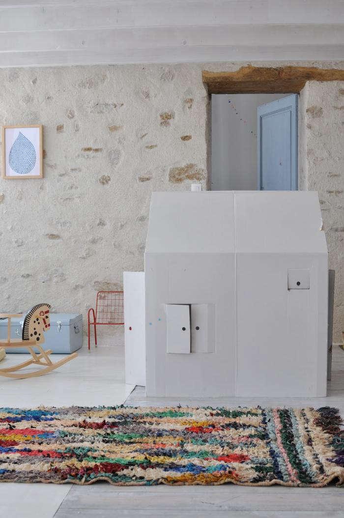 700_le-dans-la-white-playhouse
