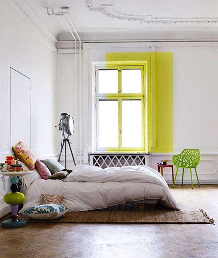 700_lo-bjurulf-yellow-painted-window