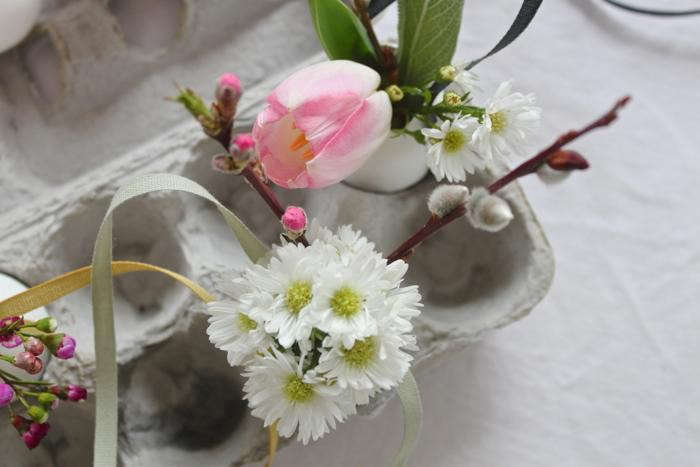 700_pink-and-white-easter-egg-bouquets
