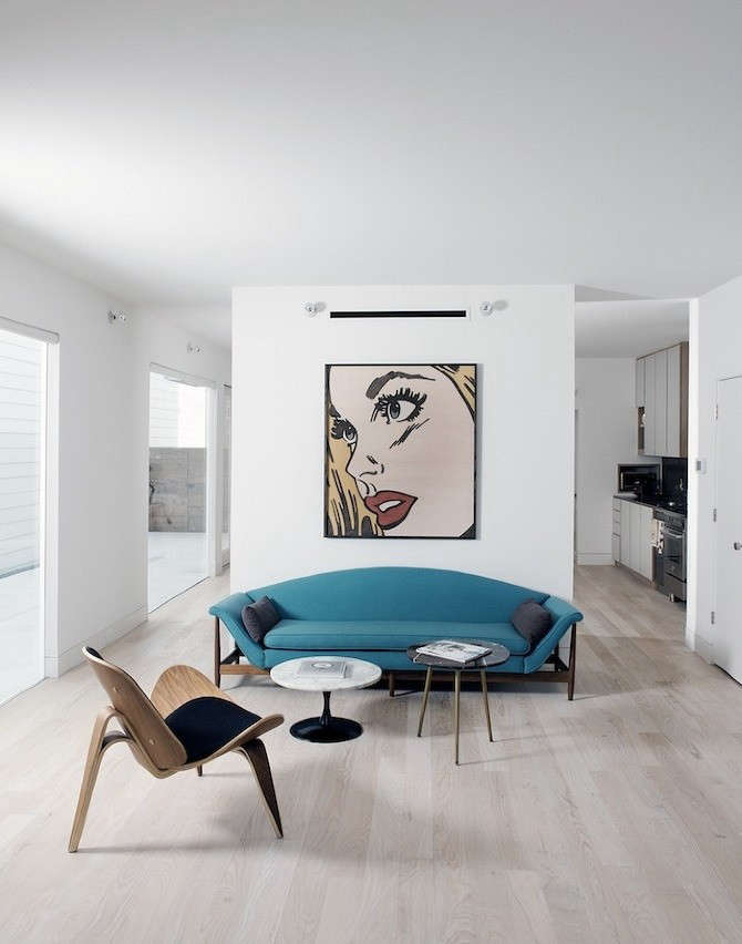 row-on-25-shade-house-living-room