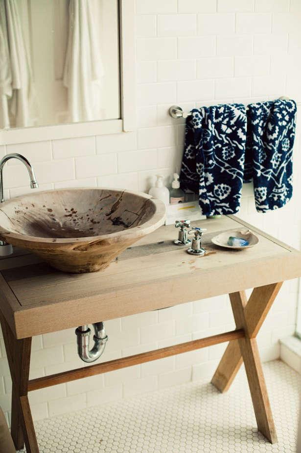 surf-lodge-dramatic-blue-towels