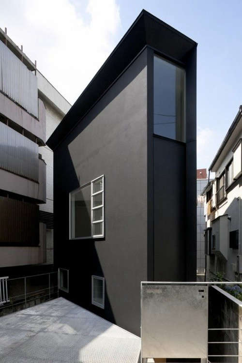 world-s-thinnest-houses-01-jpeg