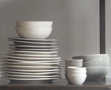 canvas-gray-dinnerware