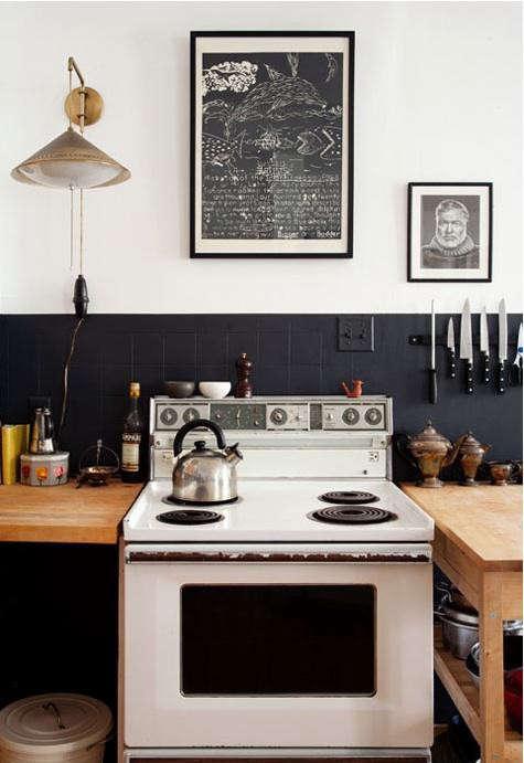 design-sponge-black-painted-kitichen