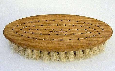 iris-hantverk-brush