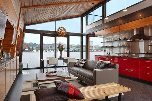 ryan-mankoski-houseboat-living