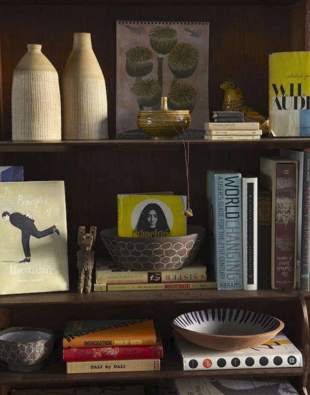 640-update-paula-greif-bookshelf-detail