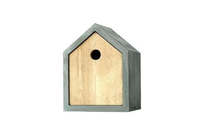 700_1das-rote-birdhouse-stand-alone-photo