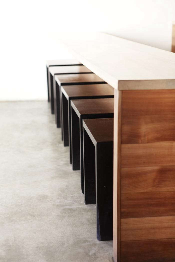 700_axe-bar-stools-black