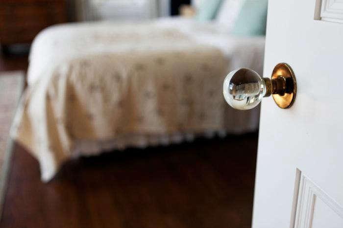 700_belvedere-crystal-doorknob