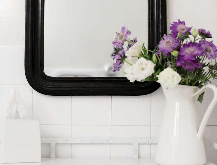 700 black mirror flowers