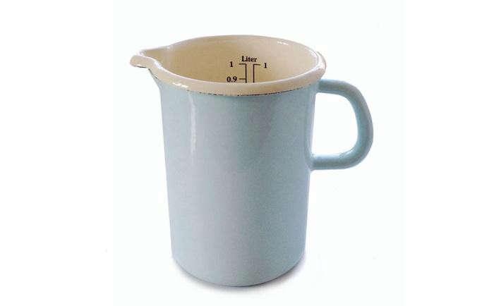 700_blue-enamel-measuring-cup