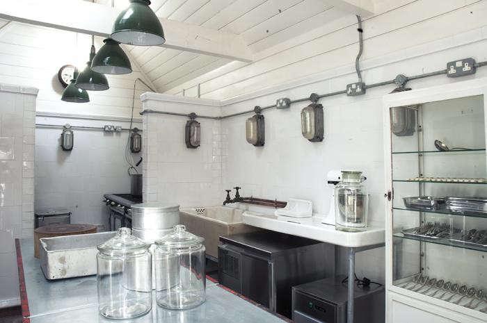 700_hendy-s-home-store-kitchen-2