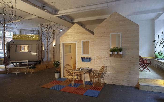 700_huettenpalast-exterior-mini-house