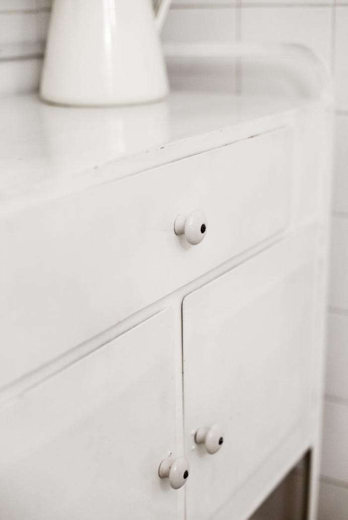 700_joans-cupboards-hardware