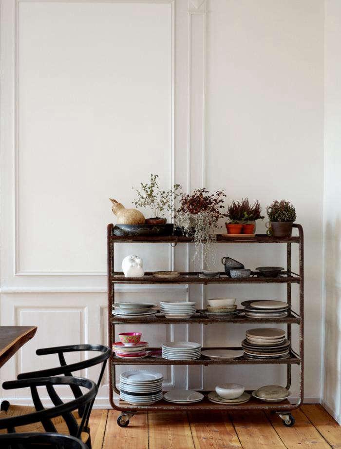700_rene-pottery-shelf-copenhagen