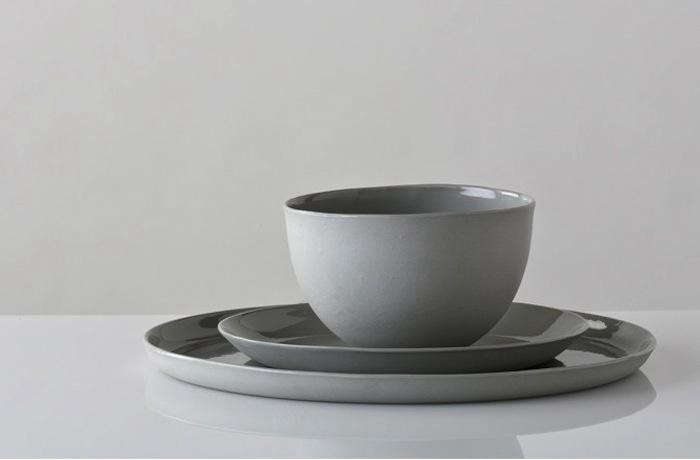 700_three-piece-place-setting-in-ash
