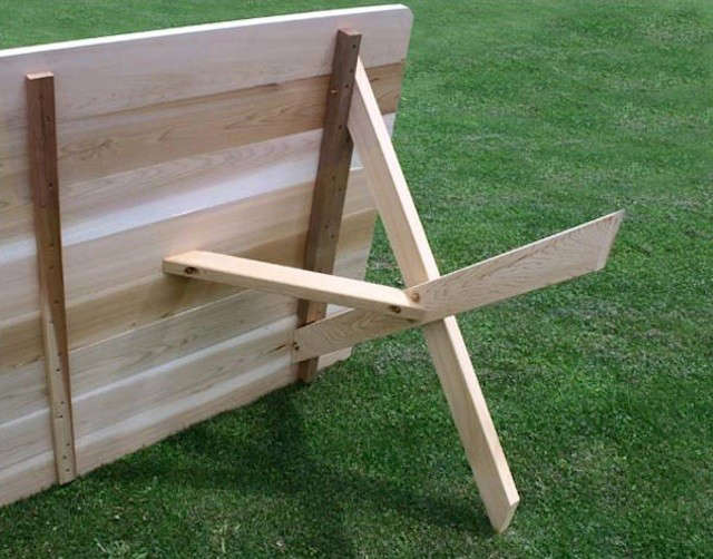 cross-leg-table-pine