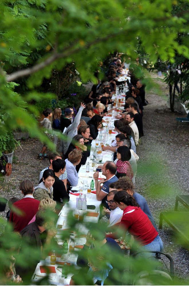 prinz-communal-dining