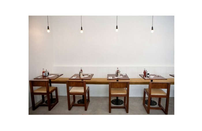 700_clarkes-row-of-chairs-capetown