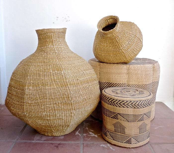 700_gourd-baskets-and-ottomans-from-design-afrika