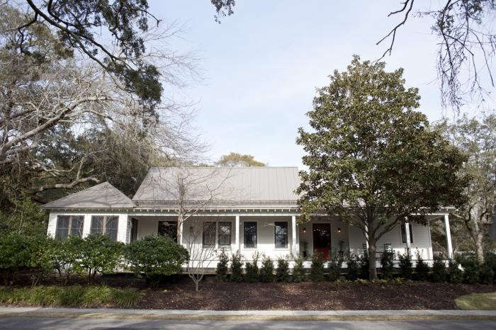 700_heather-wilson–royall-avenue–old-village–new-house-in-charleston–south-carolina-12
