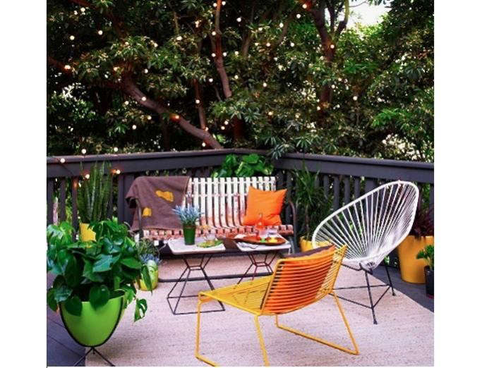 700_mod-la-patio-with-twinkly-lights