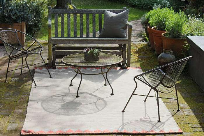 700_outdoor-rug-west-elm-2